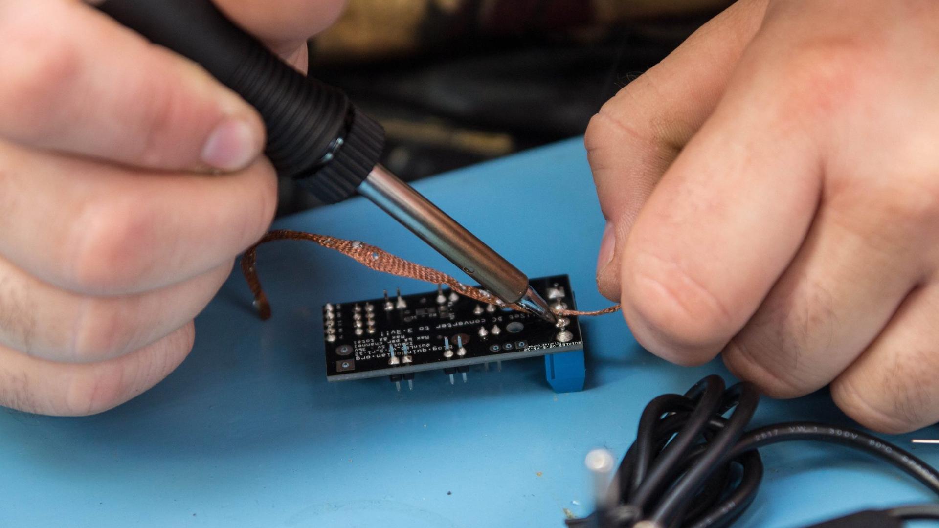 Tinkering: SMD Solderen