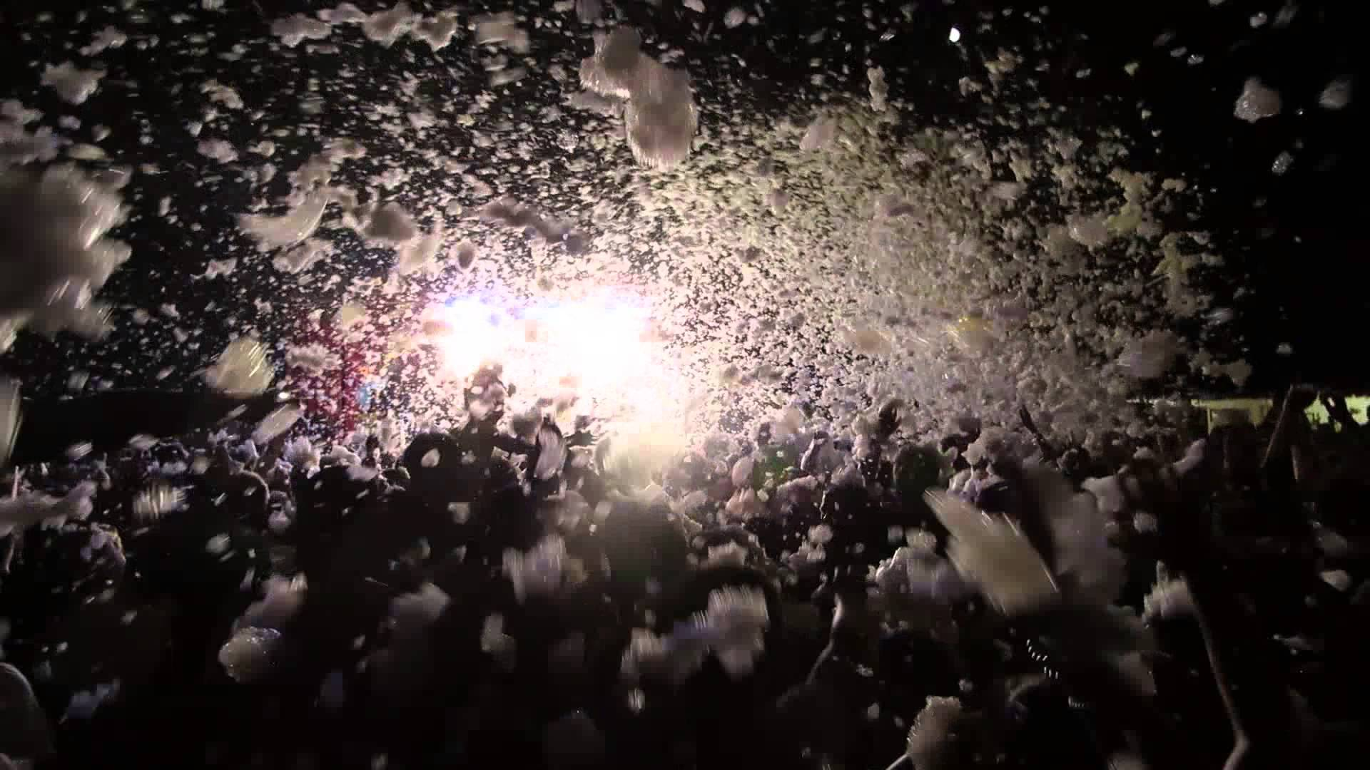 21:30 - CampZone Foam Party